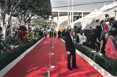 arriving_at_the_oscars_2106606836